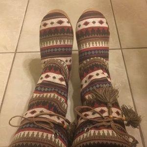 Shoes - Blazzin Roxx slippers L 9/10